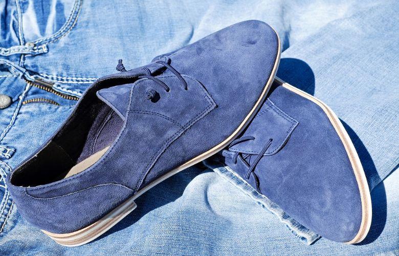 007a2f1a970 Kwetsbare suède schoenen krijg je weer als nieuw met deze simpele truc
